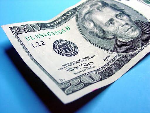 دلار سال ۲۰۲۱ را صعودی آغاز کرد