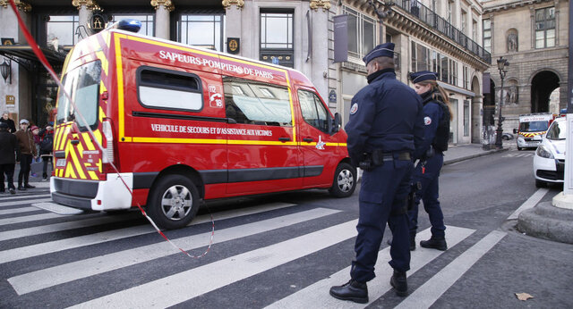 """فرانسه به بهانه مقابله با """"افراطگرایی""""، ۹ مکان عبادی مسلمانان را تعطیل کرد"""