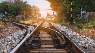لزوم استفاده از ظرفیت علمی و نخبگانی دانشگاهها در گستره راهآهن در سراسر کشور