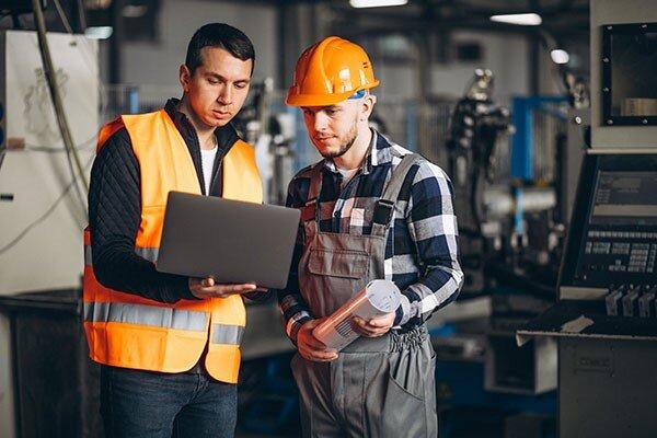 چگونه از مشاوران متخصص حوزه صنعت و ابزارآلات کمک بگیریم؟