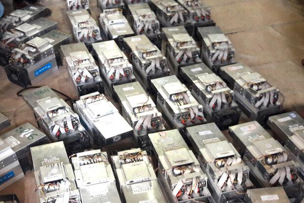۱۶۱ دستگاه استخراج ارز دیجیتال غیرقانونی در زنجان کشف شد