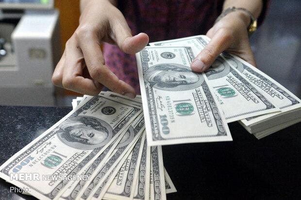 قیمت دلار ۷ بهمن ۱۳۹۹ به ۲۲ هزار و ۹۷۰ تومان رسید