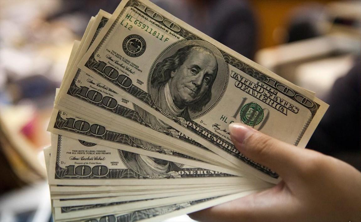 ارزش دلار در معاملات امروز بالا رفت