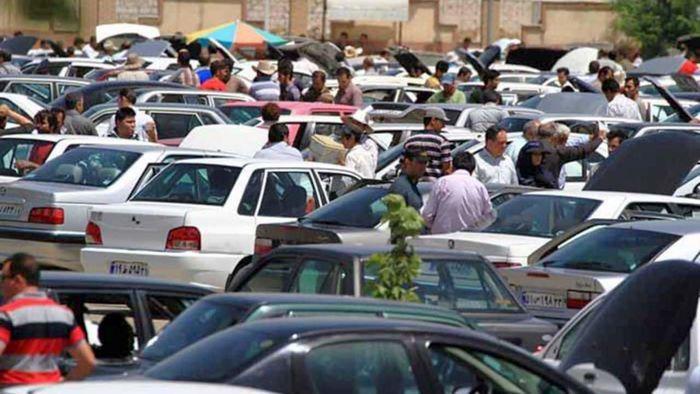 اتحادیه نمایشگاهداران خودرو: با کاهش نرخ ارز، قیمت خودرو ۱۰ درصد دیگر ریزش پیدا کرد / خریدار نیست