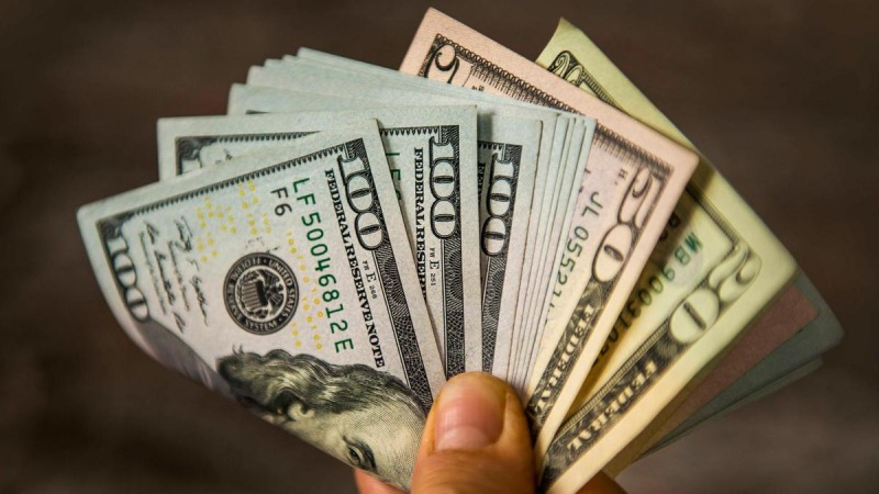 سقوط شدید دلار ادامه دارد، کاهش قیمت دلار و یورو در صرافی ملی