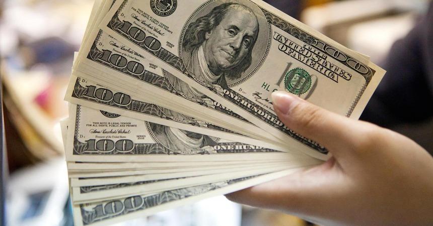 قیمت دلار در بازار باز هم افزایش یافت