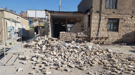 پرداخت بلاعوض به زلزلهزدگان کهگیلویهوبویراحمد آغاز شد/ تخصیص ۸ میلیاردتومان از منابع بنیاد برای پرداخت بلاعوض