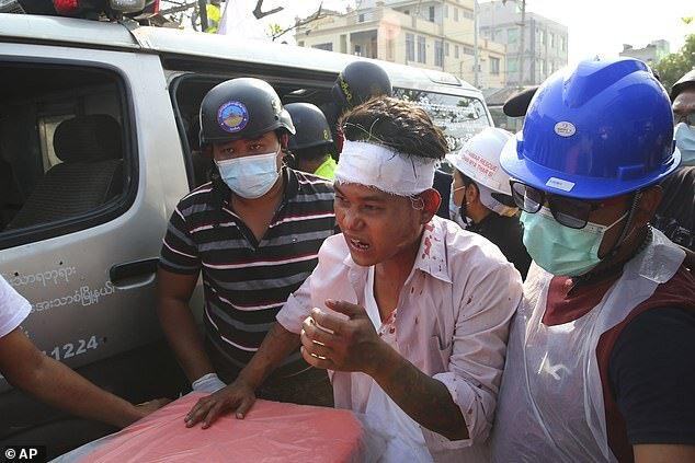 خبری از آنگ سان سوچی نیست/ اعتراضات میانمار همچنان ادامه دارد