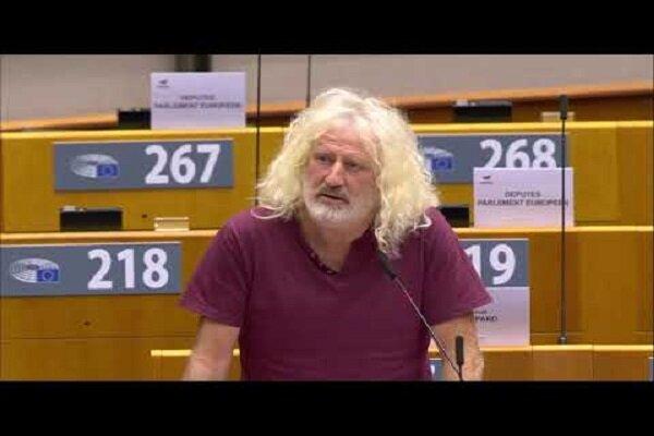 انتقاد یک نماینده اروپایی از همراهی بروکسل با جنایات آمریکا