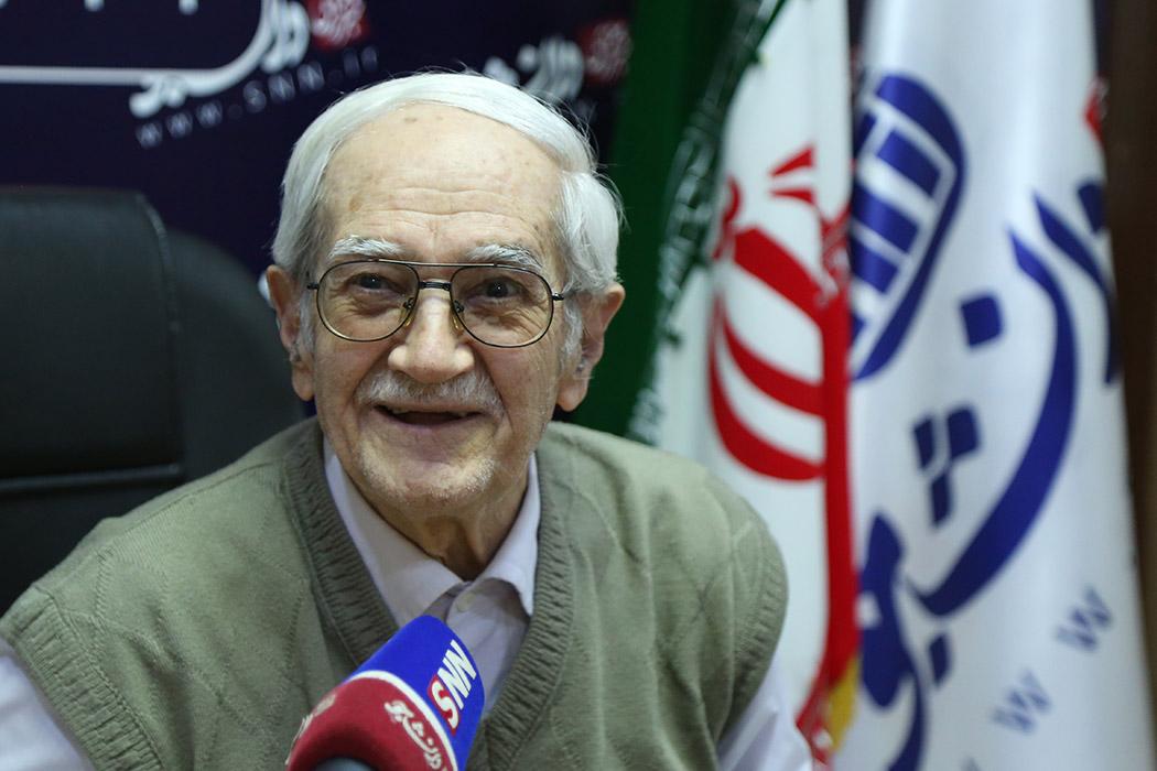 پایههای صادراتی ایران در ساحل خام فروشی پهلو گرفته / آمریکا سالانه ۱۰۰۰ میلیارد دلار به کشاورزان یارانه میدهد