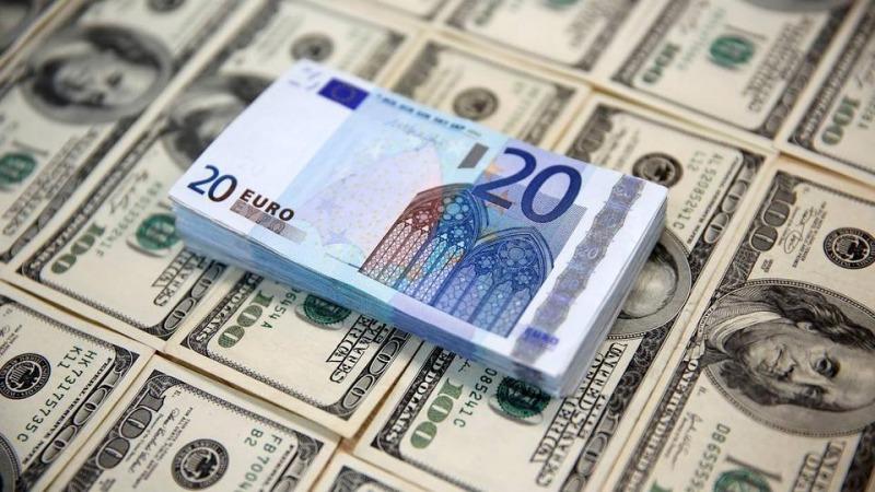 سقوط شدید قیمت دلار و یورو در بازار و صرافی ملی
