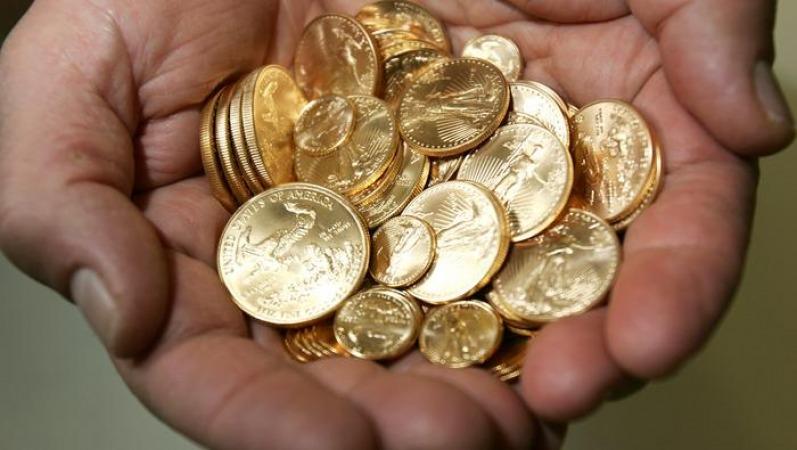 ریزش شدید انس طلا، قیمت سکه و دلار در مسیر نزولی قرار گرفت