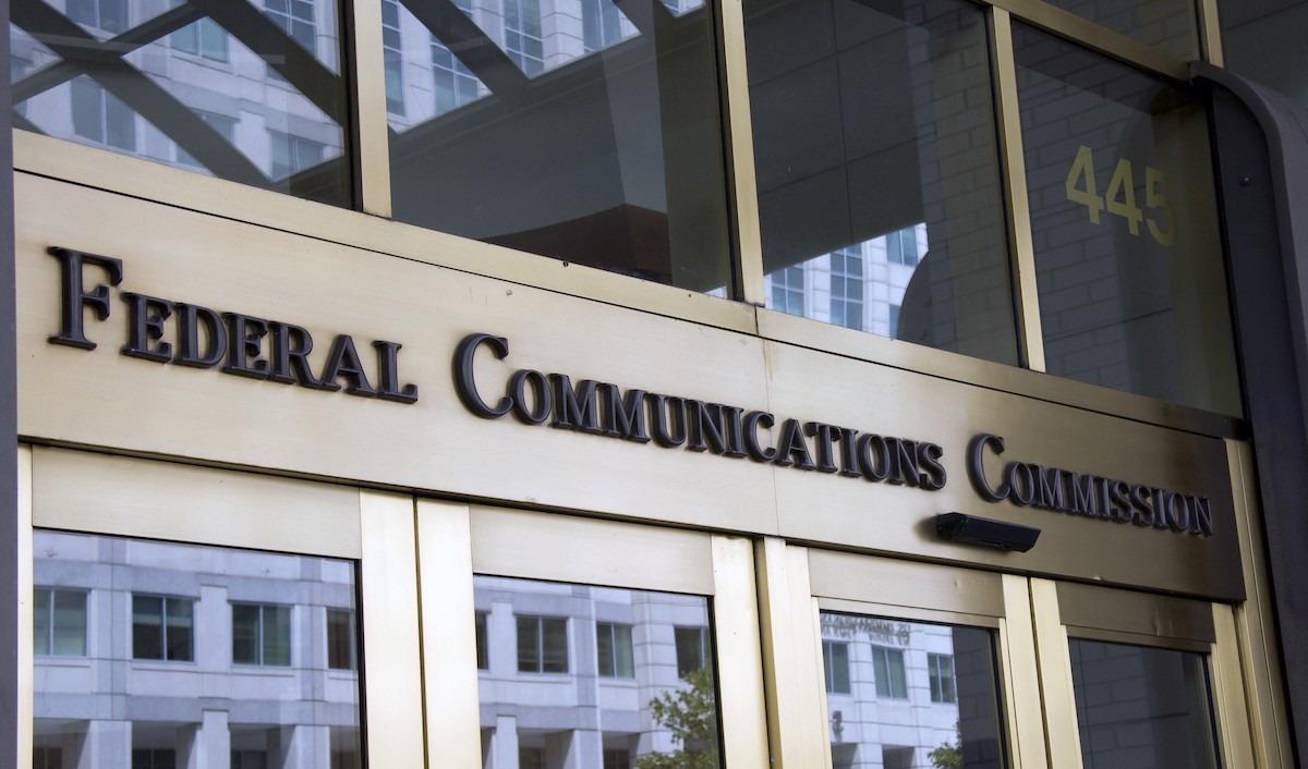 درخواست سناتورهای آمریکایی برای افزایش ۴ برابری حداقل سرعت اینترنت باندپهن