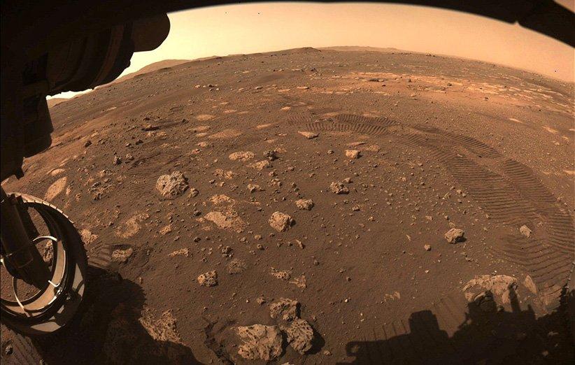 مریخنورد پشتکار برای نخستین بار روی سطح مریخ راه رفت