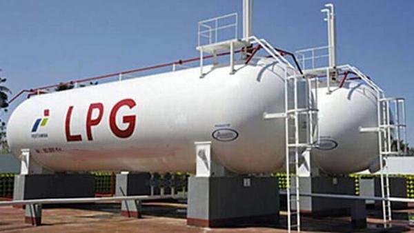 صنایع همچنان در تامین سوخت دچار مشکل هستند / تولید خودروهای LPGسوز به نفع کشور است