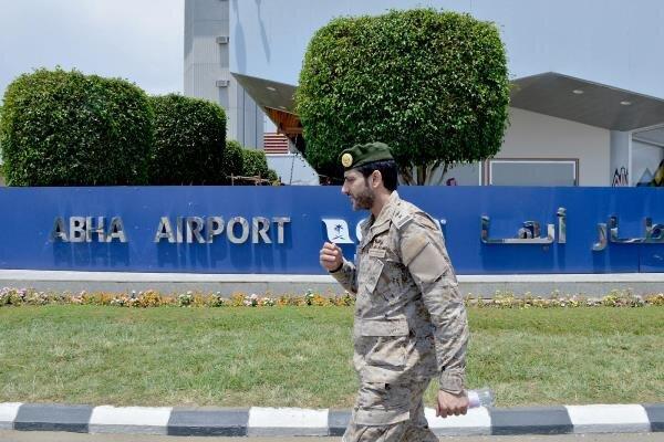 حمله هوایی نیروهای یمن به فرودگاه «أبها» در عربستان سعودی