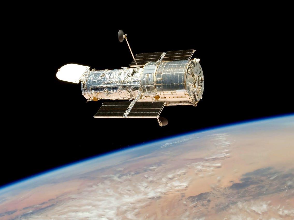 تلسکوپ فضایی هابل تا چه زمانی دوام میآورد؟