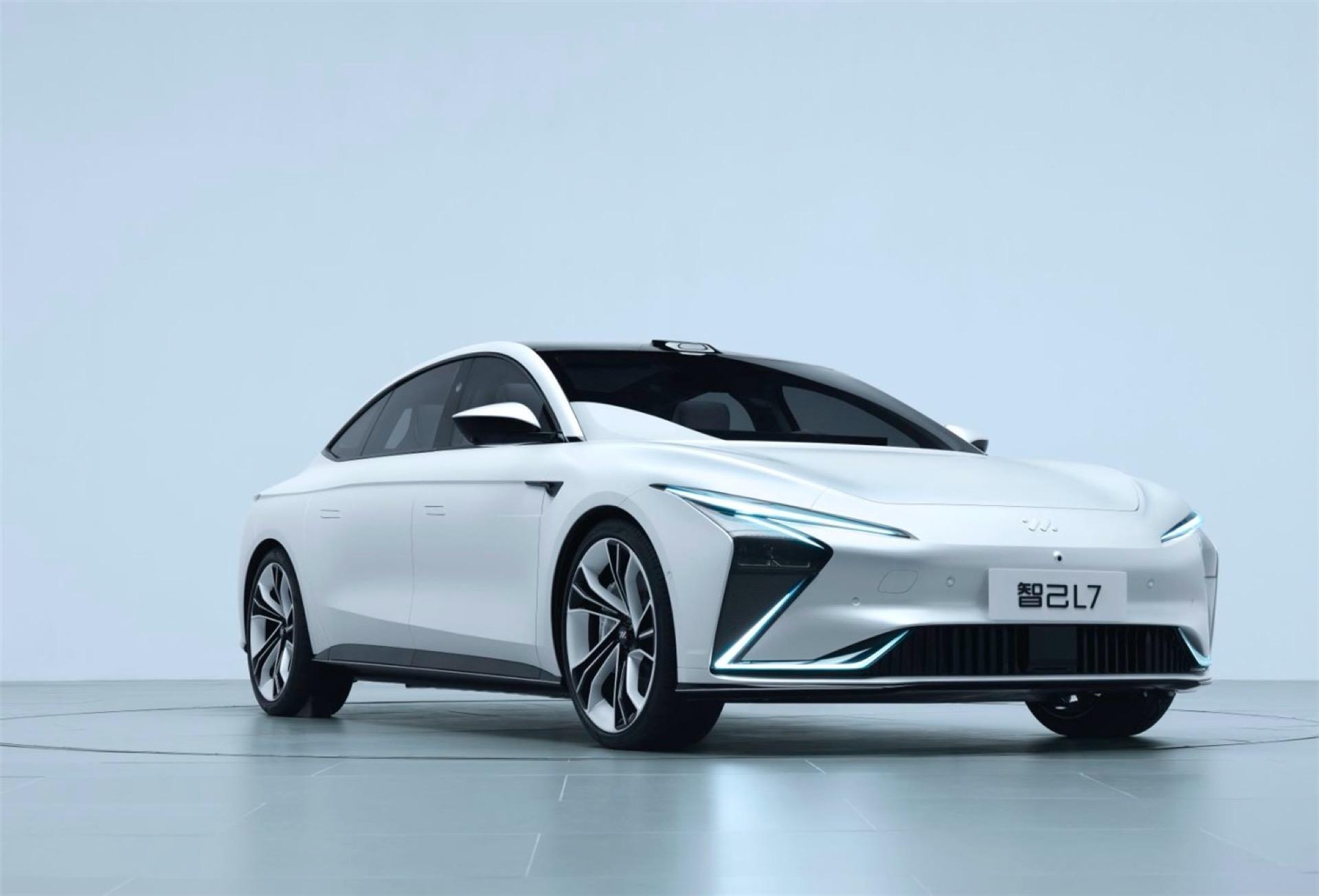 خودروی برقی ژیجی L7 با برد ۱۰۰۰ کیلومتر و شتاب زیر ۴ ثانیه وارد بازار میشود