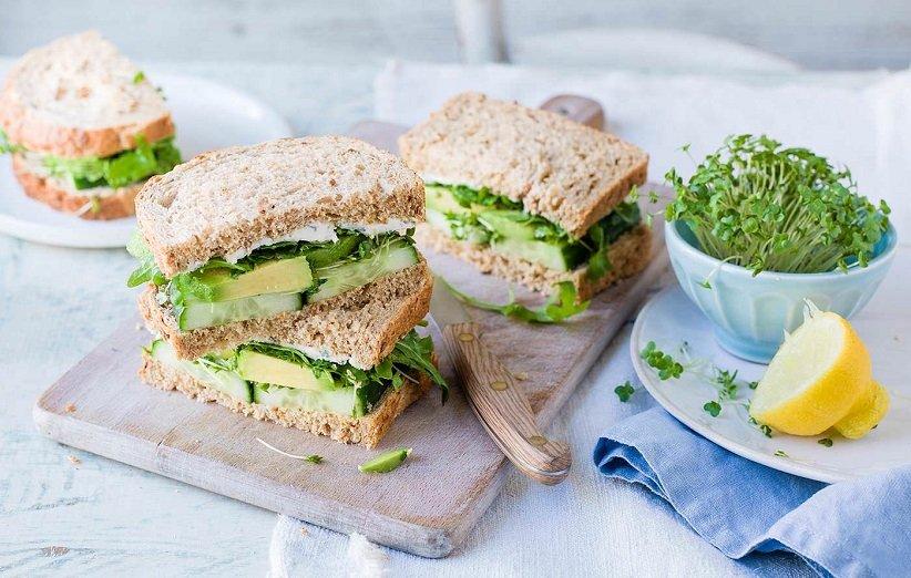 طرز تهیه ۸ ساندویچ سبک و متفاوت برای افطاری