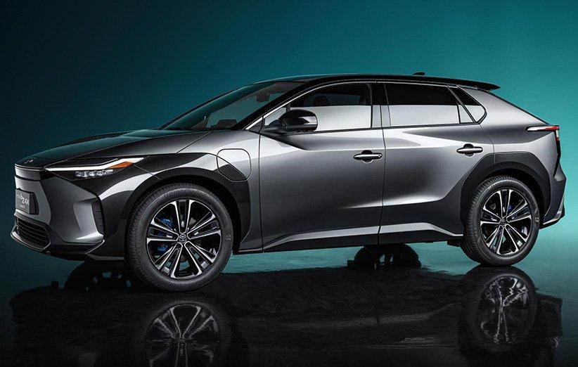 نخستین خودروی شاسیبلند الکتریکی تویوتا سال آینده عرضه میشود