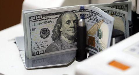 کاهش نرخ دلار آمریکا و یورو در صرافیهای مجاز
