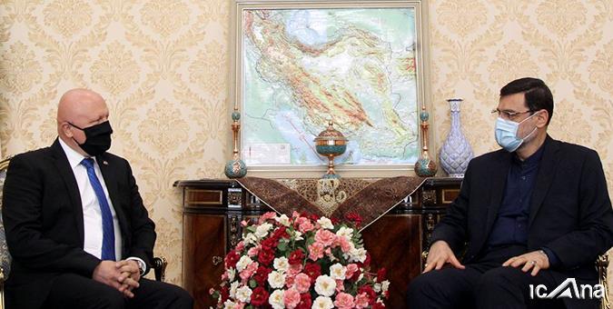 نقش مهم همکارى بخش هاى بهداشت و درمان ایران و اسلواکی برای مقابله با کرونا در توسعه روابط