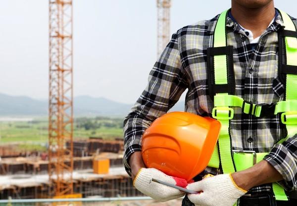 سمنها متولی نظام ایمنی کشور شوند/ توجهی به ناایمن بودن کارگاههای ساختمانی نمیشود