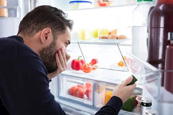 بوی بد یخچال چگونه برطرف میشود؟ جالبترین تکنیکهای رفع بوی بد یخچال