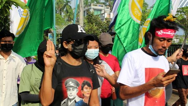 تیراندازی نیروهای امنیتی میانمار به معترضان بخش بهداشت