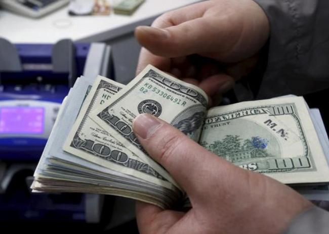 توصیه صبر به متقاضیان دلار