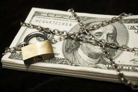 نگرانی دولت بایدن از سرنگونی دلار توسط یوان دیجیتال