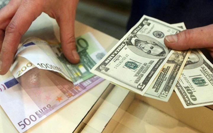 نرخ ارز 23 فروردین 1400/دلار و یورو گران شد