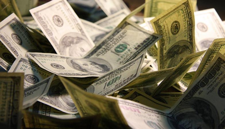 ریزش شدید قیمت دلار و یورو در بازارهای مختلف