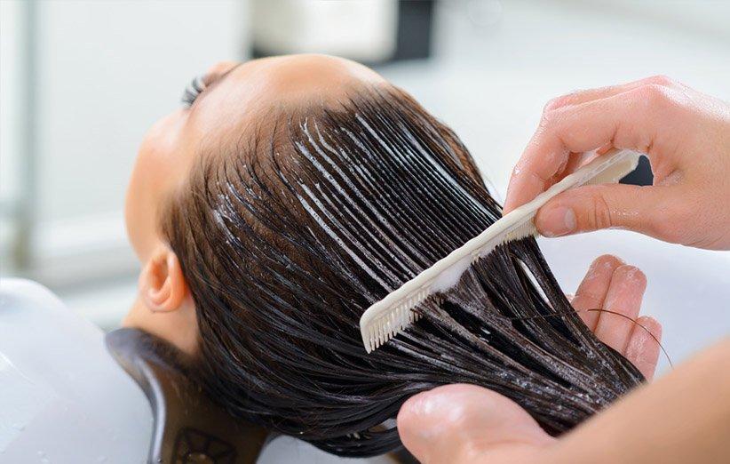 هر آنچه باید دربارهی ماسک مو و مزیتهای استفاده از آن بدانید