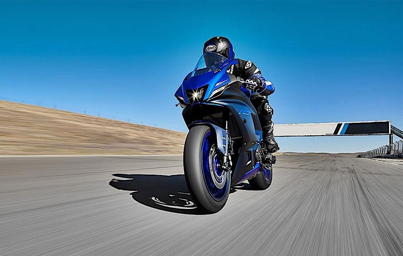 یاماها از نسل جدید موتورسیکلت سوپراسپرت R7 رونمایی کرد