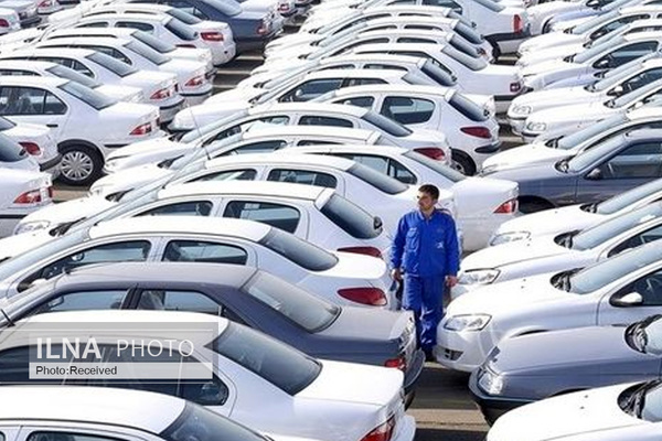 قیمت خودرو نزولی شد/ بازار کاملا راکد است/ تصمیم شورای رقابت بر بازار خودرو موثر نبود