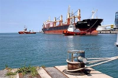 ورود کرونای برزیلی صحت ندارد/ هنوز نوع کرونای خدمه هندی کشتی پاناما مشخص نیست/ کشتی در لنگرگاه قرنطینه شد