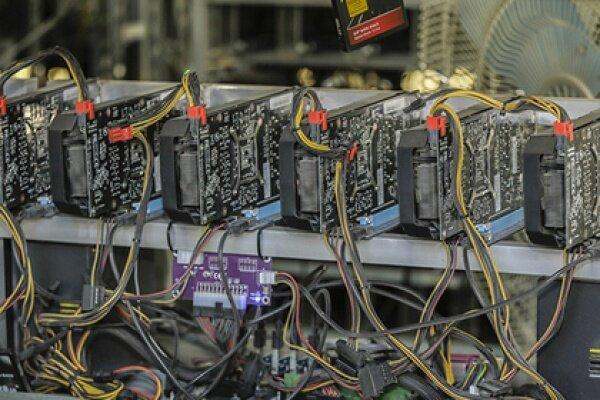 کشف ۴۴۸ دستگاه استخراج ارز دیجیتال در مشهد