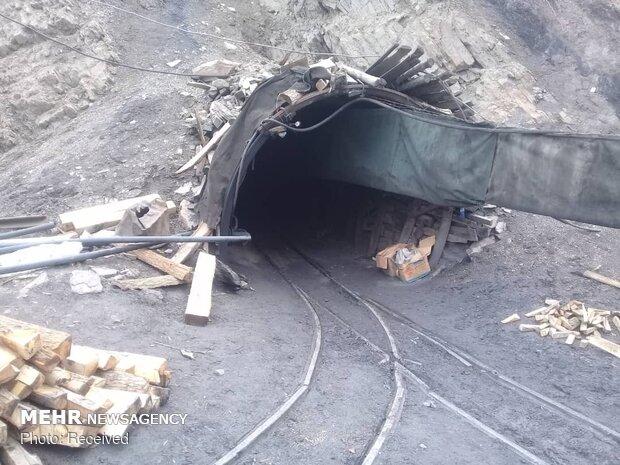 تونل ۴۲ معدن طزره موقتاً تعطیل شد/ سطح ایمنی کارگاه بررسی میشود