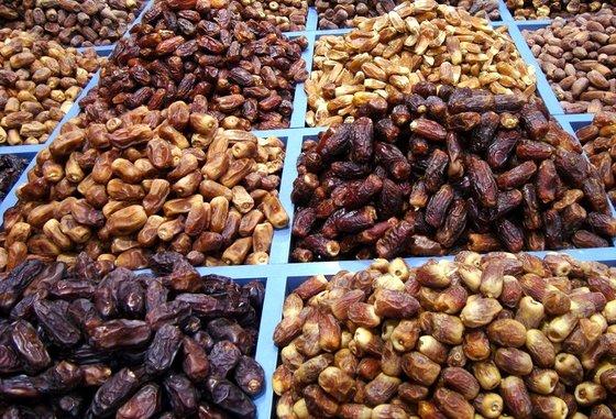 فرخی: بازار خرما در نتیجه تصمیمات غلط ستاد تنظیم بازار به دست عربستان افتاد