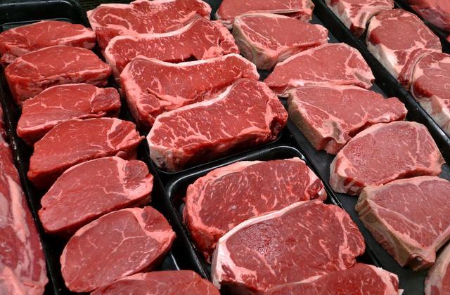 دپوی ۲۰۰ تن گوشت منجمد در گمرک تهران/ احتمال فساد وجود دارد