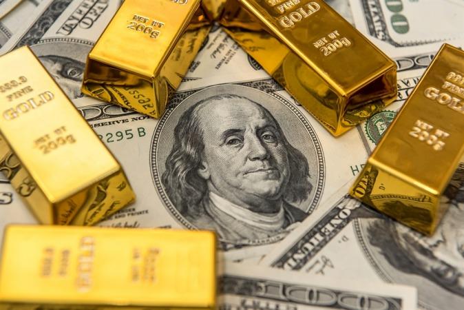 صعود دلار کاهش قیمت طلا را رقم زد