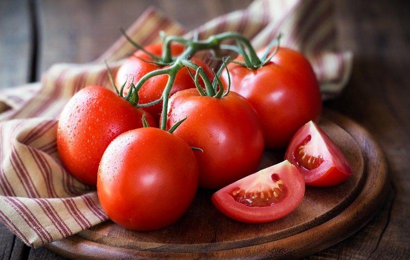 طرز تهیه ۱۳ ماسک گوجهفرنگی برای داشتن پوستی صاف و درخشان