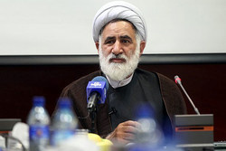 ایران با رای مردم از گردنههای سخت عبور کردهاست