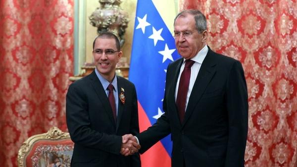 دیدار لاوروف با همتای ونزوئلایی در مسکو با محوریت مبارزه با ویروس کرونا