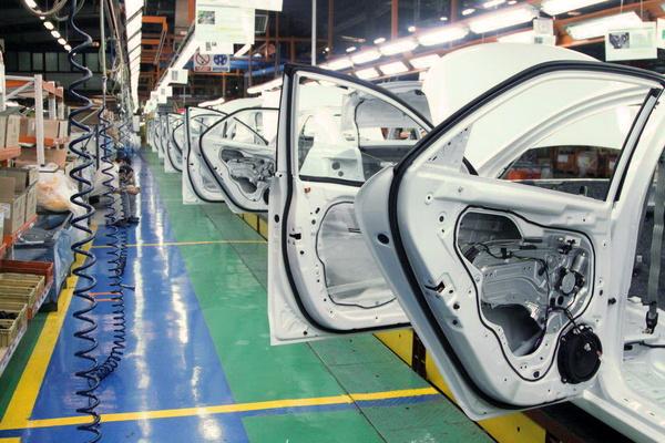 افزایش تولید ایرانخودرو در سه ماهه نخست امسال/ رشد ۱۷ درصدی آمار خودروهای تحویلی