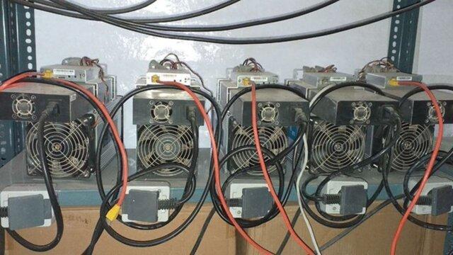 کشف ۵ دستگاه استخراج ارز دیجیتال قاچاق در نقده