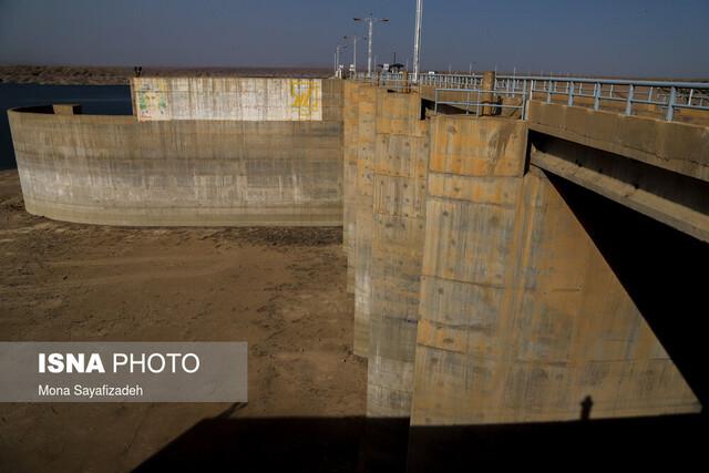 خشکسالی شدید حوضههای کرخه و دز / برداشت انفجاری از منابع آب خوزستان برای کشت شلتوک