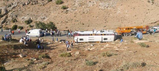 واژگونی اتوبوس خبرنگاران و سوالهای بی پاسخ