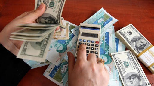 عبور قیمت دلار از مرز حساس/جوسازی نوسانگیران در بازار ارز